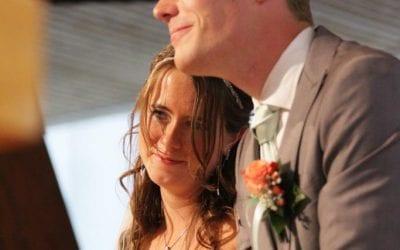 Nils en Corina zijn getrouwd in de Ontmoetingskerk